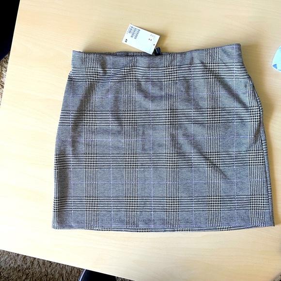 H&M Mini Skirt (M)